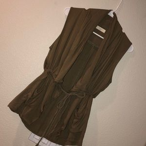 Very cute olive green flowy vest!